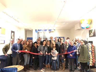 Huiskamer Coffee House Ribbon Cutting