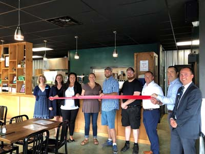 ribbon cutting wander pizza 2